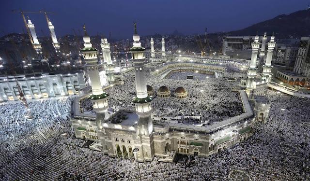 Viral, Orang Amerika Takjub Keajaiban Shalat di Masjidil Haram
