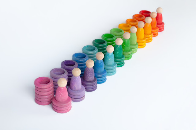 Joguines Grapat: monedas, anillas y niños de madera
