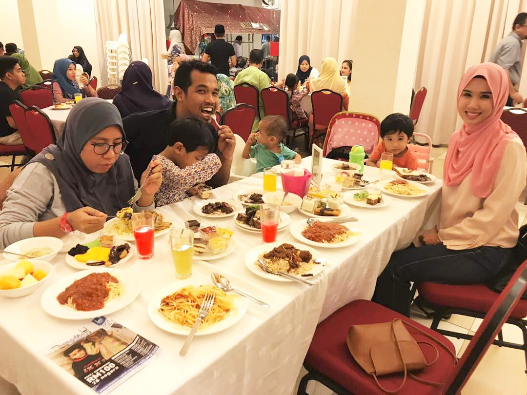 Mohd Noor's Clan Iftar Together At Bangi Golf Resort