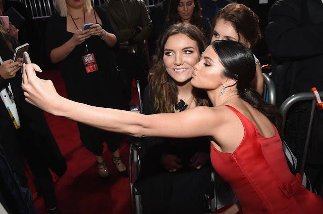 Selena Gomez - American Music Awards 2016