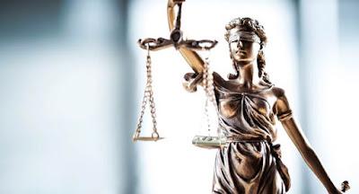 Порошенко подписал скандальные изменения к кодексам судопроизводства