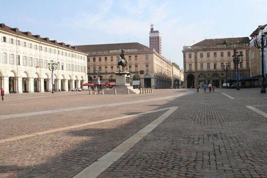 cosa-vedere-a-Torino-Piazza-San-Carlo