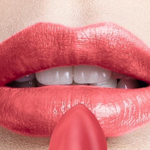 Avon lanza el labial supreme con extra humectación