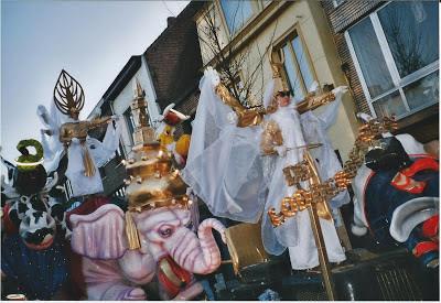 http://carnavalskoentje.blogspot.be/2013/05/carnaval-2004.html