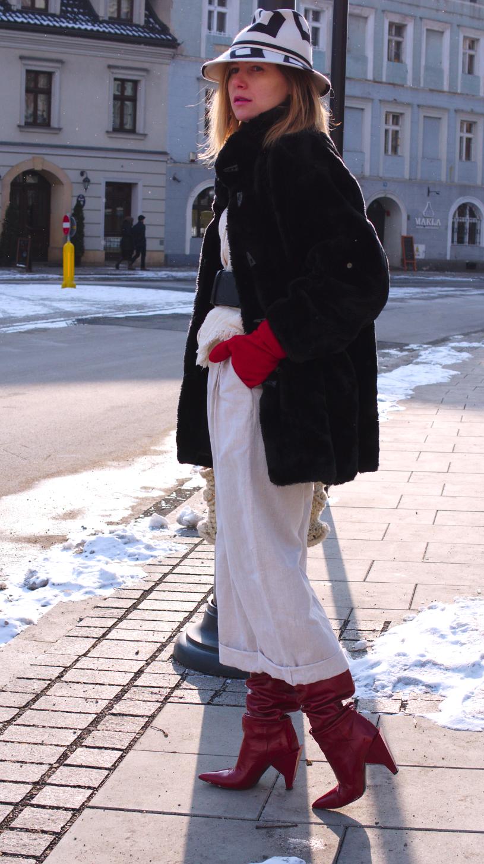 #zimowastylizacja #futerko #winterlook #outfit #kozakizara #czarnefuterko #streetwear