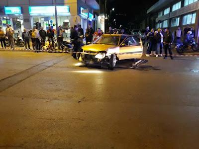 ΙΧ συγκρούστηκε με μοτοσικλέτα στην οδό Αθηνών