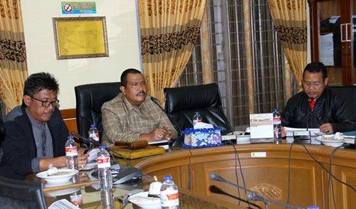 Bahas Anggaran, DPRD Kota Pariaman Pastikan Tidak di Hotel
