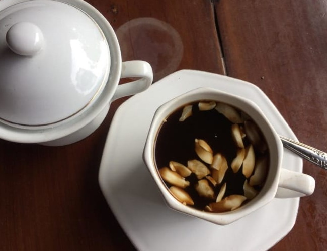 Xvlor Rarobang coffee is blend of arabica and spices by Amboner