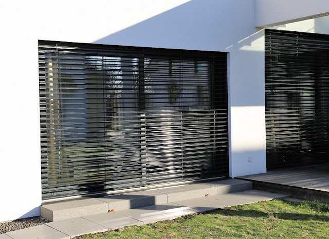 Choosing the Right Type of Outdoor Blinds – No More a Difficult Task