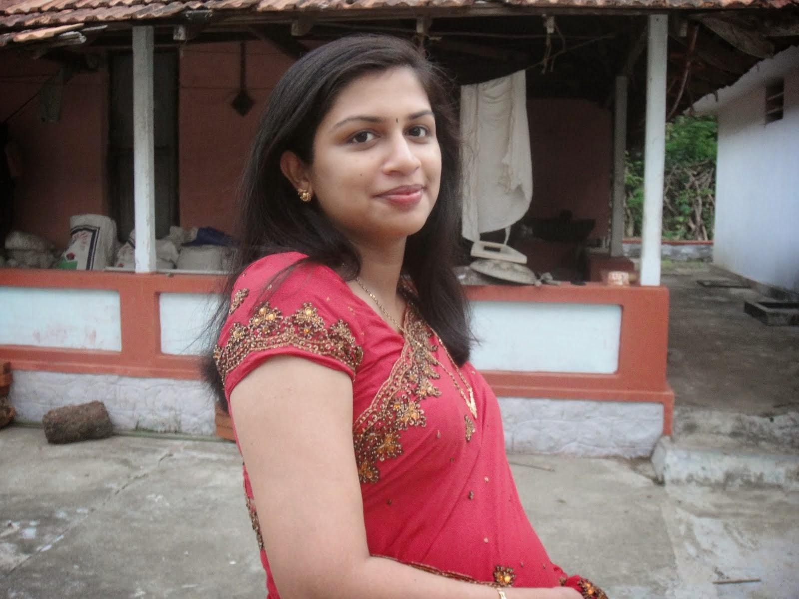 Top 50 Real Indian Housewife Bhabhi Saree Hot Sexy -8255