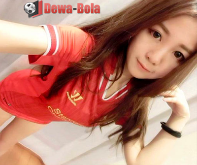 perempuan asia real madrid cute