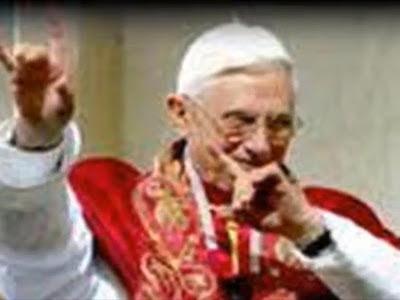 Papst Satanszeichen