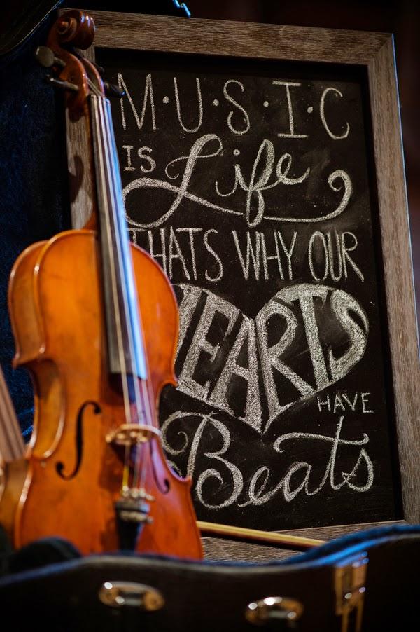 Byram Loizou Traci J Brooks Studios cobaltpeachmusicstyledshoot23 low - Heart Beats