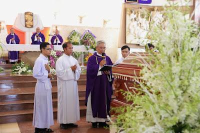GP Bà Rịa: Thánh lễ an táng Cha Cố Phêrô Nguyễn Văn Giản - Ảnh minh hoạ 32
