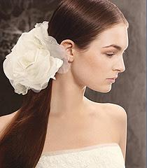 Сватбени рокли 2013 White by Vera Wang