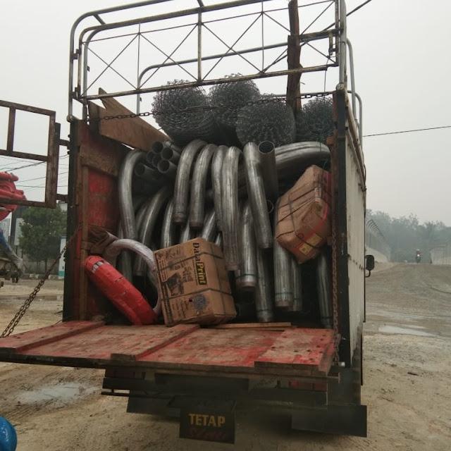 Truk Logistik Proyek