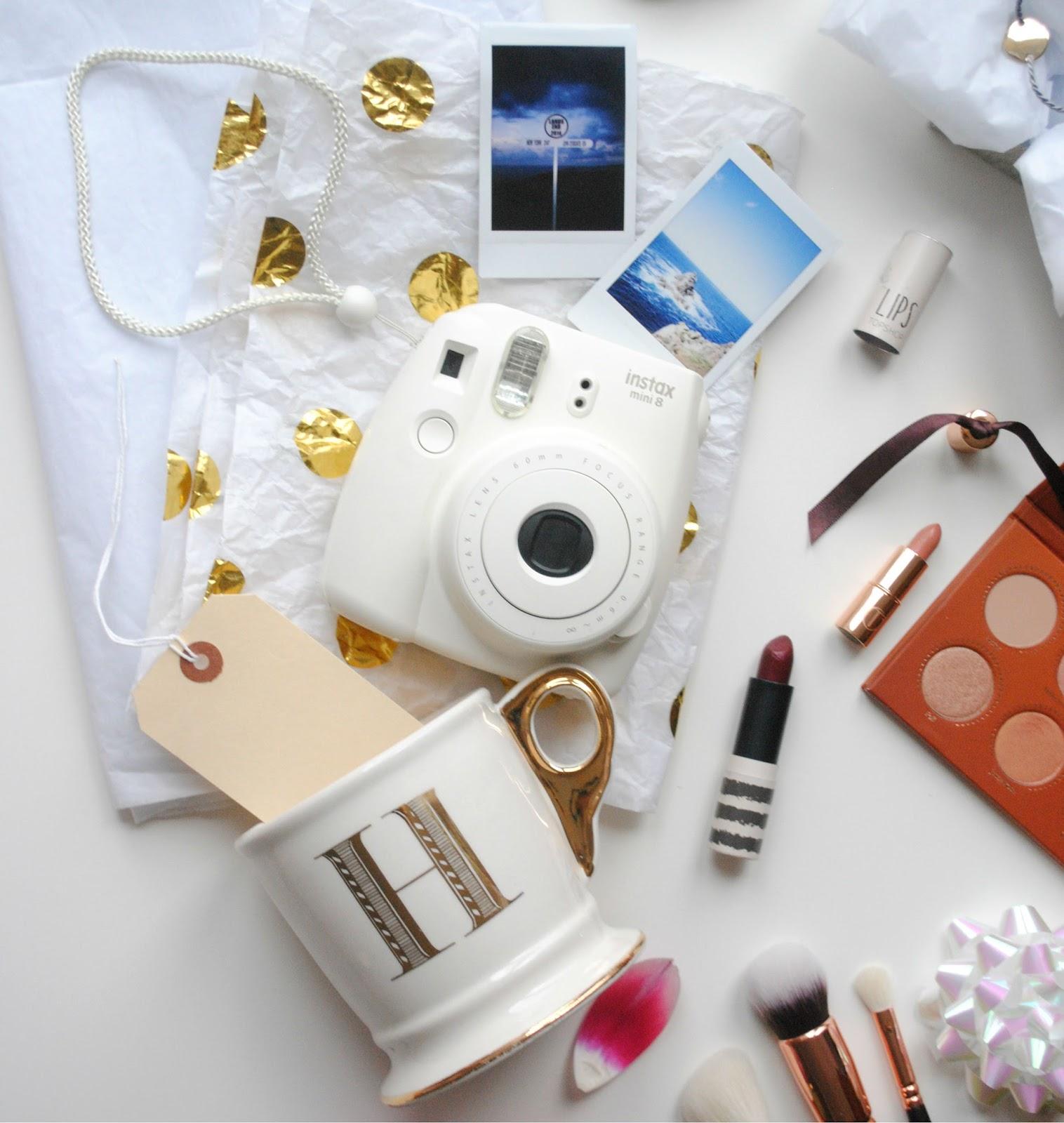 polaroid camera gold polka dots topshop lipstick charlotte tilbury rose gold zoeva