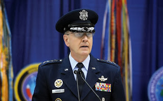 This is how an US general looks like