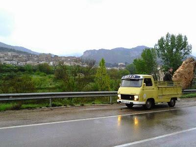 Moncho, piedra, furgoneta, Royo