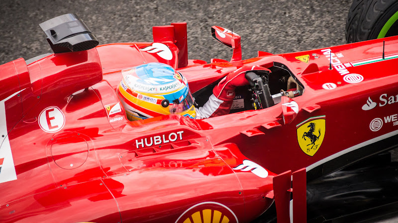 Formula 1 Alonso at Ferrari F1 Team HD