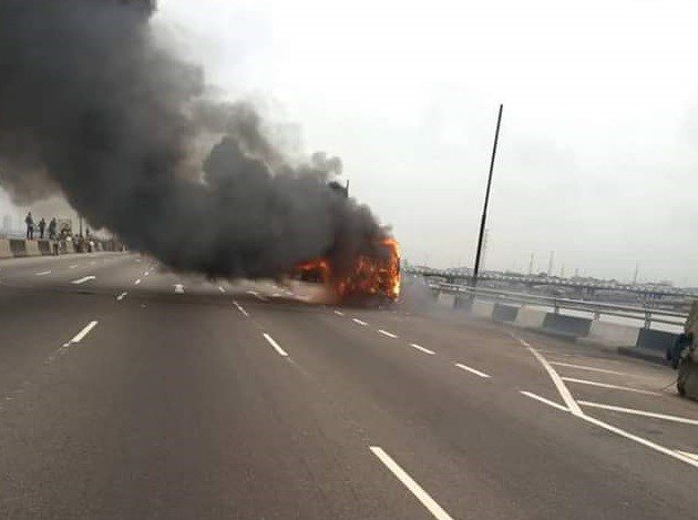 BRT Bus Burns On Third Mainland Bridge (Watch Video)