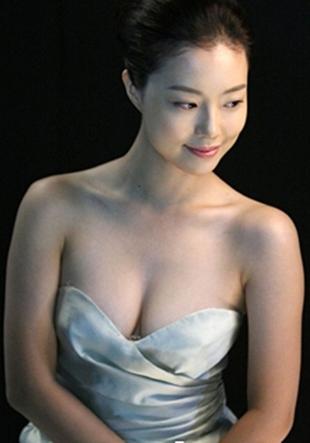 Moon Chae Won (문채원) - Korean Actress and model, in Allure Korea May 2012