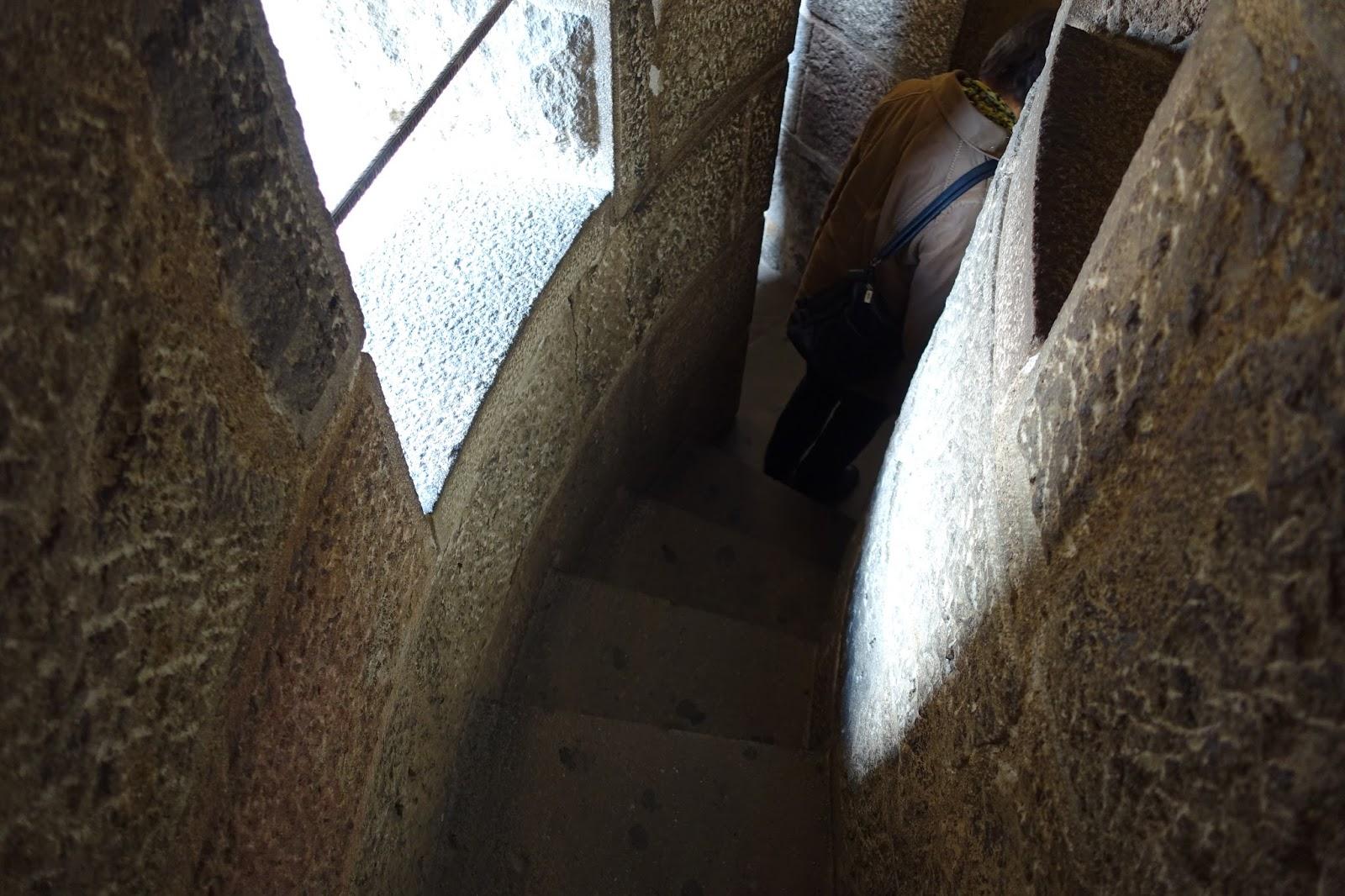 サグラダ・ファミリア (Sagrada Familia) 塔の中の階段
