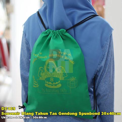 Souvenir Ulang Tahun Tas Gendong Spunbond 30x40cm Tebal 100gr