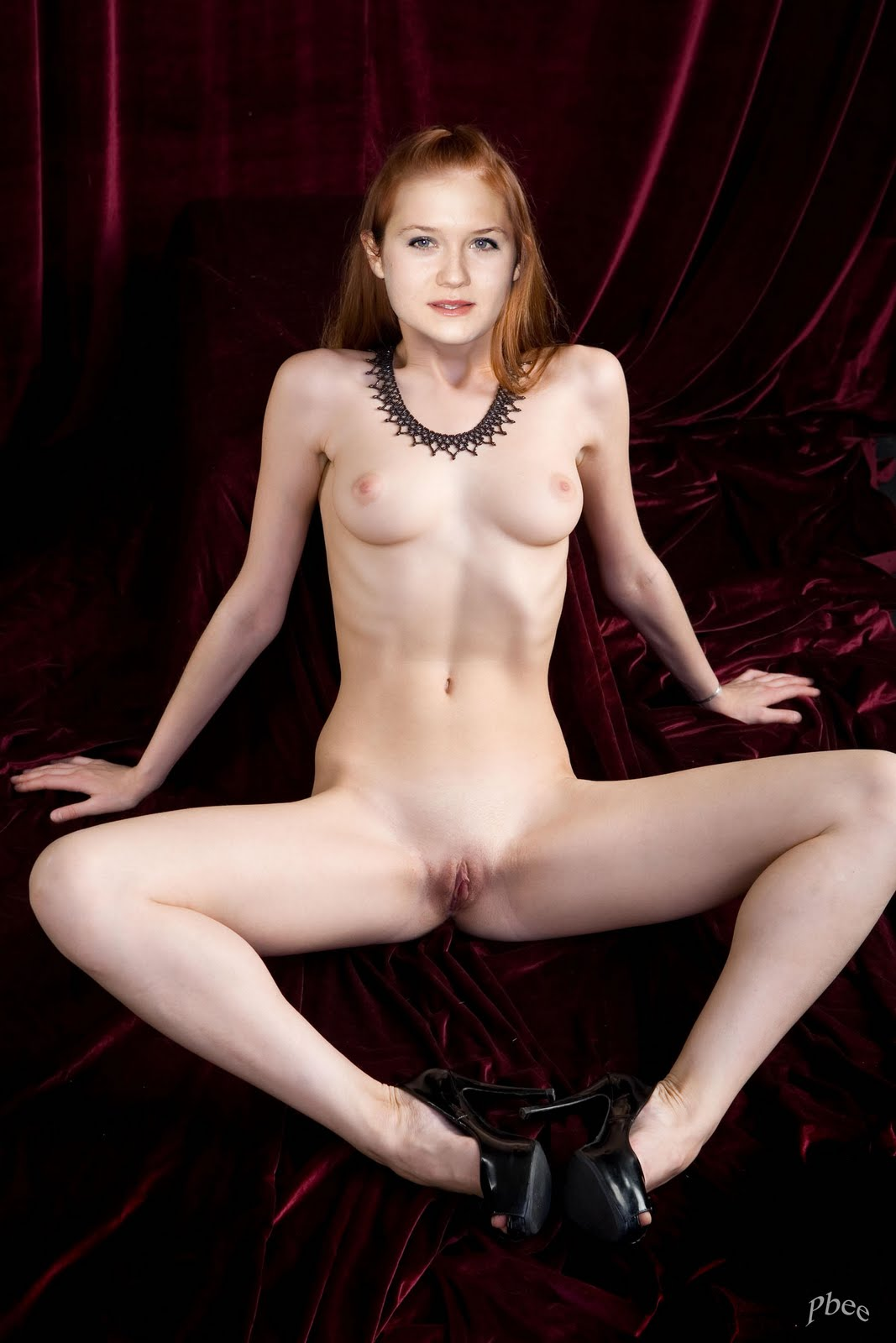 Holliday Grainger Nude Photos & Sex pictures