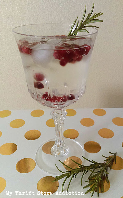 refreshing rosemary pomegranate mocktail