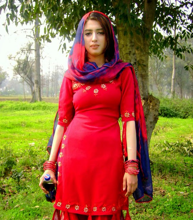 Amna Rajput Zong Number | Girls Mobile Numbers