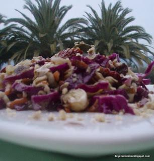 Πλούσια σαλάτα λάχανο με άρωμα φασκόμηλου - Rich cabbage sage scented salad
