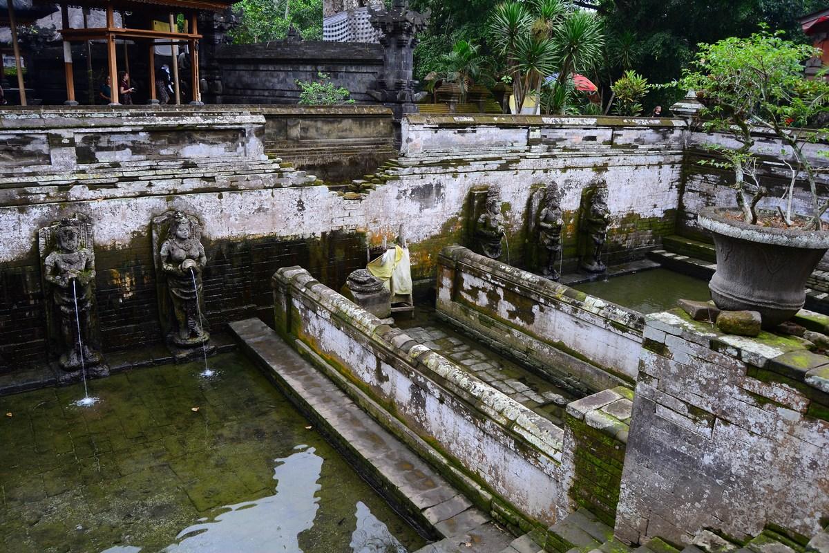 Bassins aux ablutions Goa Gajah