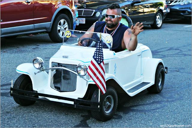 Mini en el Desfile del 4 de Julio en Rockport