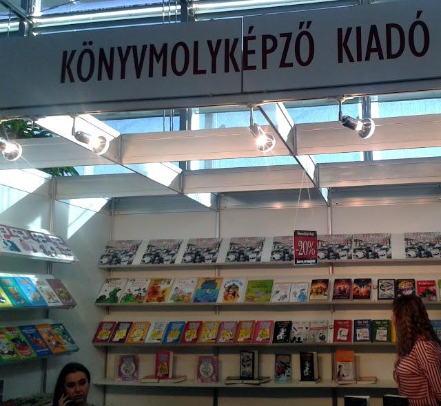 25. Budapesti Nemzetközi Könyvfesztivál, Gyerek(b)irodalom, Könyvmolyképző stand, D02, Cirrus a Tűzfalon.