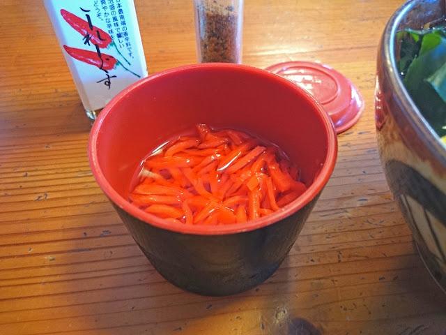 しっきり麺に付いてた紅ショウガの写真