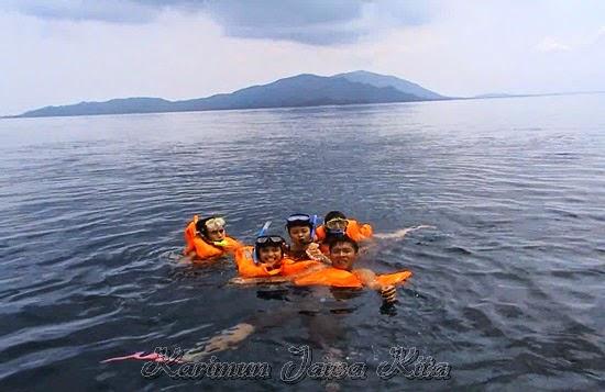 wisata snorkeling karimun jawa