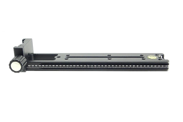 Desmond DVC-220 rail with right angle clamp
