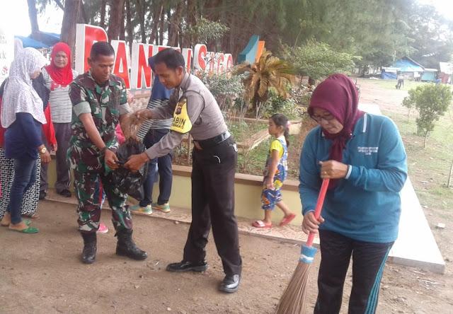 Jumat Bersih, Babinsa IV/Jurai Lakukan Karya Bhakti Bersama Bhabinkamtibmas dan Masyarakat