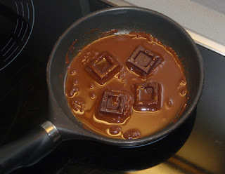 Derretimos el chocolate con el aceite