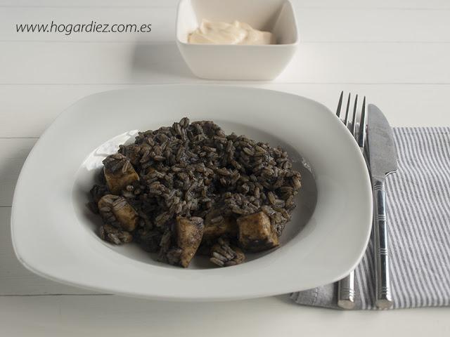receta-de-arroz-negro-con-calamar-y-gambas