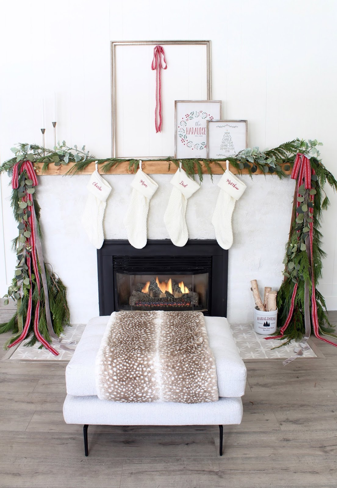 Modern-Holiday-Mantel-ideas-harlow-and-thistle-1