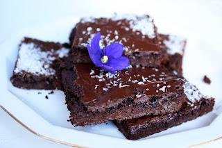 http://be-alice.blogspot.com/2016/08/chocolate-cauliflower-brownies-vegan-gf.html