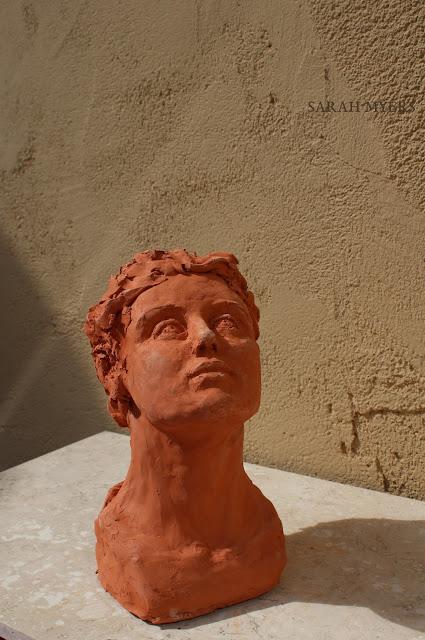 head, looking, upward, sarah, myers, sculpture, escultura, skulptur, scultura, terracotta, earthenware, ceramic, art, arte, kunst, face, gaze, woman, female, figurative, red, clay, modern, contemporary, artwork, front, angle