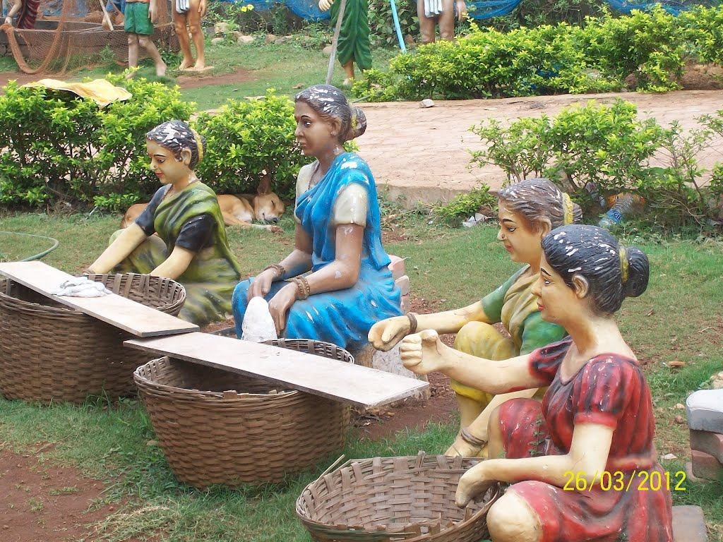 Fish aquarium verna goa - Goan Culture Depicted Outside Aquarium