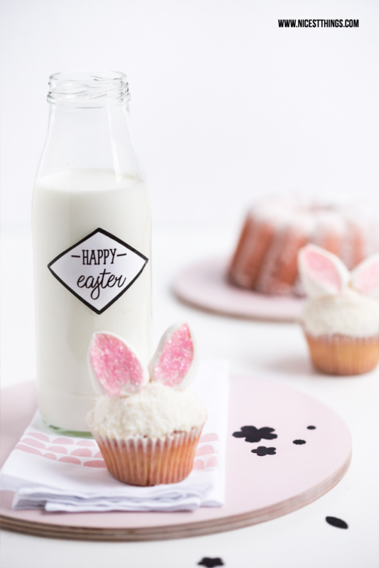 Easter Table Setting, Bunny Cupcakes