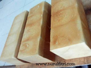 http://www.nurulfitri.com/2017/11/kisah-dibalik-kelembutan-orange-bakery.html