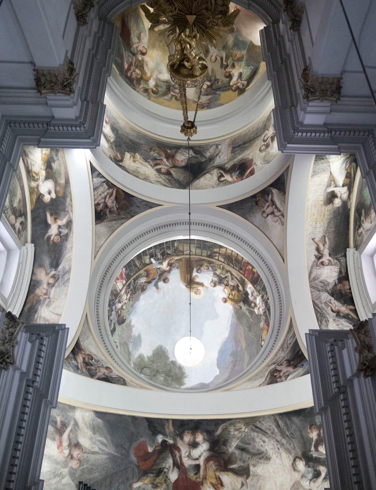 Instantes, fotos de Sebastián Navarrete: Ermita de San Antonio de la Florida,...