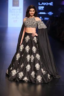 Prachi Desai In Black Lehenga Choli At Lakme Fashion Week (7)