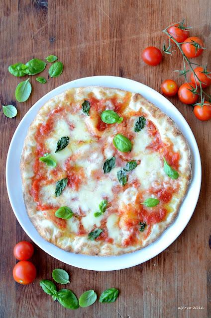 pizza-al-piatto-napoletana-fatta-in-casa